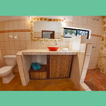 Mexican Cabina bathroom