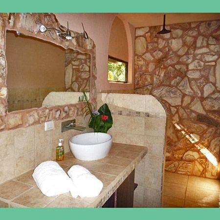 Cabina Persia bathroom